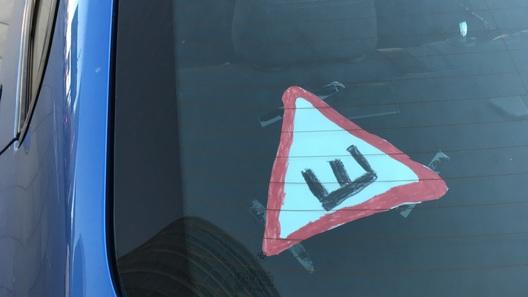 Водители взбунтовались против знака «шипы». Подборка самоделок