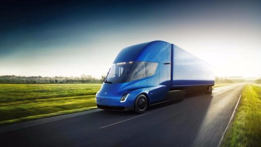 Нашумевший электрогрузовик Tesla будет стоить от 9 млн рублей