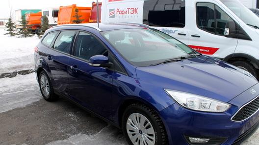 Компания Ford продала в России первую партию битопливных 'Фокусов'