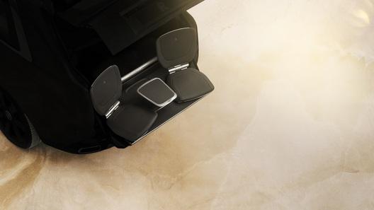 Первый внедорожник Rolls-Royce предложит любоваться природой из багажника