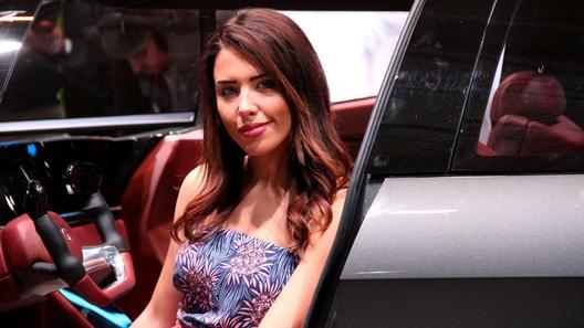 Лучшие девушки автосалона в Женеве