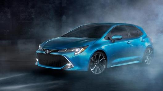 Toyota показала новую «Короллу» в кузове хэтчбек