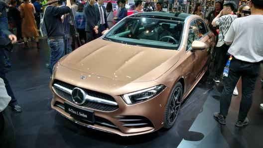 Компактный седан Mercedes-Benz А-Класса представлен живьем