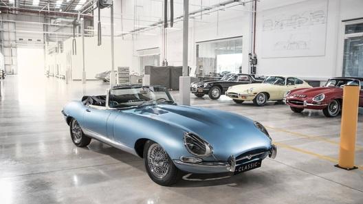 Принц Гарри и Меган Маркл уехали со своей свадьбы на уникальном Jaguar