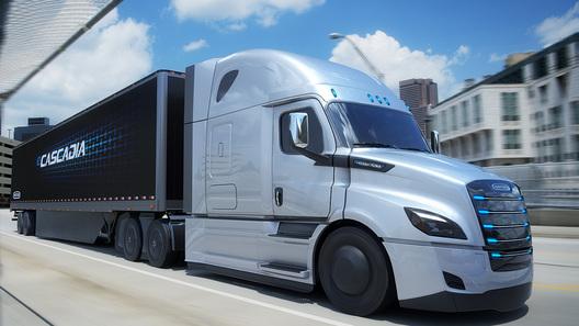 Daimler продемонстрировал вСША два новых электрических грузового автомобиля