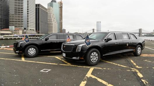 Лимузин-броневик №1 в США: у Дональда Трампа появился свой