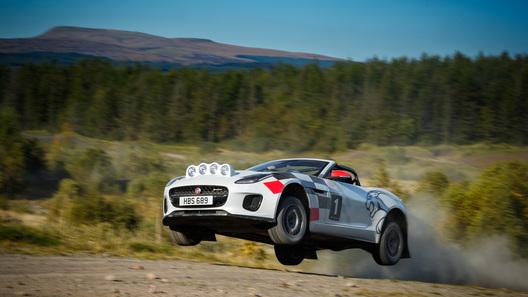 Летучий кабрио: Jaguar превратил открытый F-Type в раллийный болид