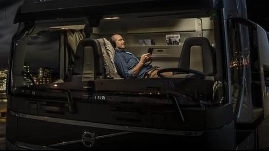 Экипажу супертягача Volvo FH16 XXL добавили 600 литров