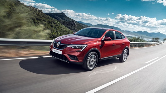 Купе-кроссовер Renault Arkana: продажи стартовали