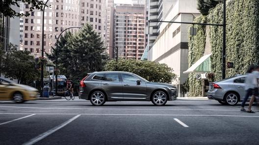 Volvo XC60 стал доступен в России по подписке