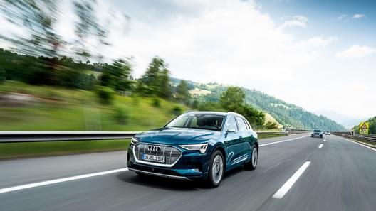 Audi e-tron пересек 10 стран и преодолел 1600 км за 24 часа