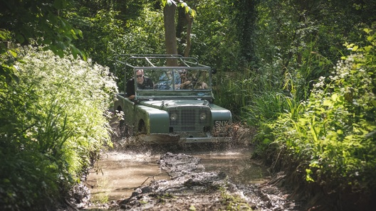 Найден и восстановлен утерянный полвека назад самый первый Land Rover 1948 года