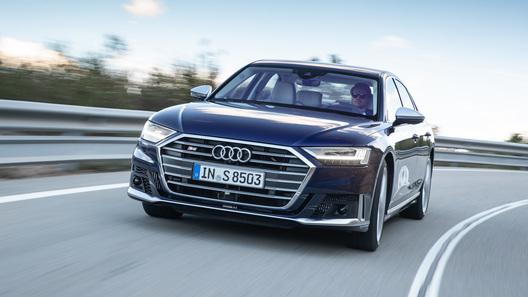 Новый суперседан Audi S8 оказался быстрее, чем заявлено
