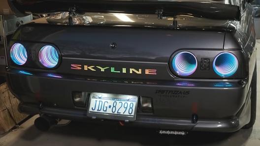 "Пожилой Nissan Skyline превратили в ""бесконечную"" новогоднюю елку"">                                                                                                                                                     const adfoxBiddersMap = {         'myTarget': '822036'         };      var adUnitsDesktop = [                 {             code: 'adfox_154417136585513594', /* 240x400_desktop */             sizes: [[ 240, 400 ]],             bids: [                 {                     bidder: 'myTarget',                     params: {                         placementId: 651842                     }                 }             ]         }         ,                 {             code: 'adfox_149736255818291509', /* top_banner_desktop */             sizes: [[ 970, 250 ]],             bids: [                 {                     bidder: 'myTarget',                     params: {                         placementId: 651855                     }                 }             ]         }     ];    var adUnitsMobile = [         {             code: 'adfox_149399493702992020', /* top_banner_mobile */             sizes: [[ 300, 250 ]],             bids: [                 {                     bidder: 'myTarget',                     params: {                         placementId: 651867                     }                 }              ]         }     ];     var dT = 1000, mT = 2000;      var timeOut = /webOS|Mobile|iP(hone|od)|iPad|Android|BlackBerry|IEMobile|Silk/.test(navigator.userAgent) ? mT:dT;  var adUnits = /webOS|Mobile|iP(hone|od)|iPad|Android|BlackBerry|IEMobile|Silk/.test(navigator.userAgent) ? adUnitsMobile:adUnitsDesktop;      window.Ya.headerBidding.setSettings({         biddersMap: adfoxBiddersMap,         adUnits: adUnits,         timeout: timeOut     });                                                                                   var AdriverPrebid={adriverBids:{},winnerBid:{},winnerDeal:{}};AdriverPrebid.drawBanner=function(e,r){function i(e){return e."