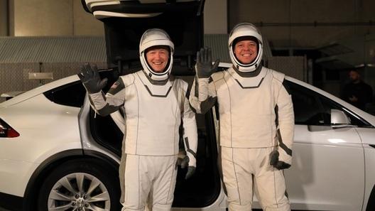 Tesla Model X стал официальным