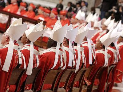 Ватикан запретил развеивать прах покойников после кремации