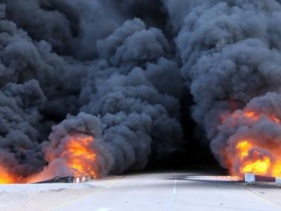 Пожар на нефтяном терминале в Саудовской Аравии: погибли два человека
