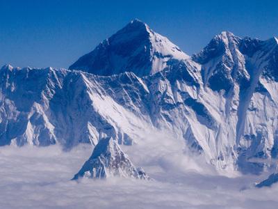 Индийский альпинист погиб при восхождении на Джомолунгму