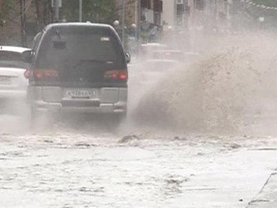 Плакучее лето: обильные грозы обещают жителям Поволжья и Урала