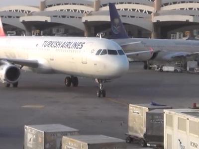 """""""Бомба на пути в Торонто"""": в Стамбуле эвакуировали Boeing"""