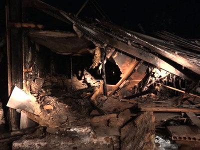 За два часа в Нефтеюганске сгорел дотла жилой дом