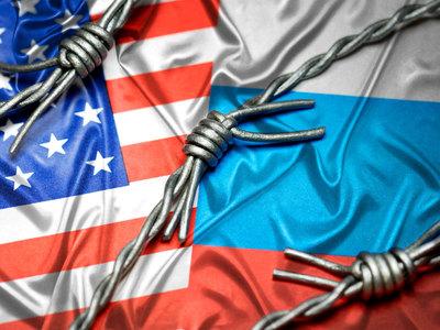 Bloomberg: под санкции США не попал разве что дворник в Кремле
