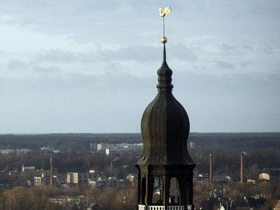 ТЦ в Латвии отказался объявить о потерявшихся детях на русском языке