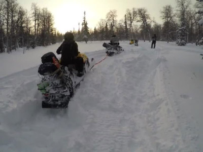 Двое детей и взрослый погибли, на снегоходе провалившись под лед на Волге