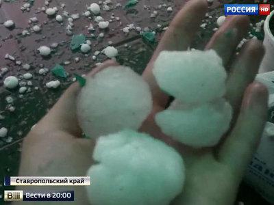 На юг России в мае ураганами и градом вернулась зима