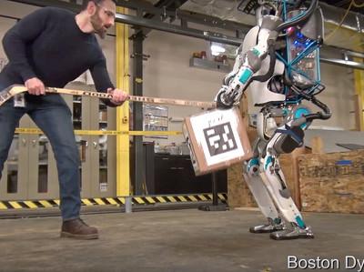 Четвероногие и двуногие роботы Google могут достаться Toyota
