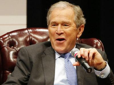 Буш-младший обвинил РФ в попытке поссорить американцев