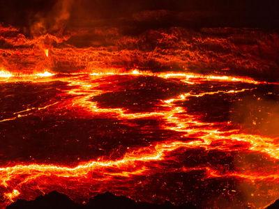 """""""Милосердное"""" извержение вулкана, способное уничтожить жизнь на планете, предупредит о себе за год"""
