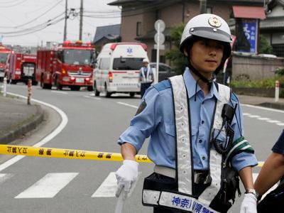 Японию сотрясают повторные толчки