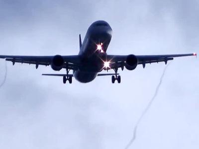 Самолет сел в Самаре из-за дебошира, избивавшего жену