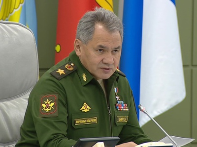 Шойгу пригласил депутатов и сенаторов в центр управления обороной России