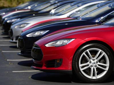 Автомобили Tesla станут полностью автономными