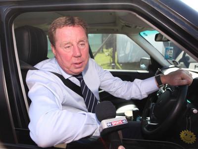 Британский футбольный тренер, едва не убил жену, протащив ее на автомобиле по асфальту