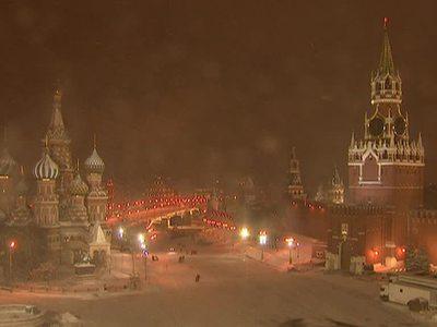 Первая по-настоящему зимняя метель бушует в Москве