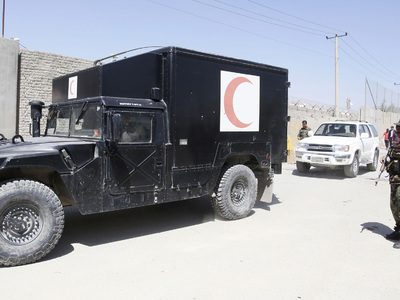 В Афганистане более 50 человек погибли при нападении талибов на базу