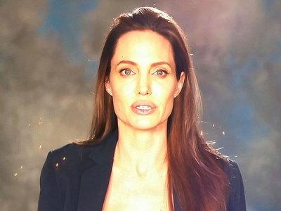 Джоли впервые прокомментировала развод с Питтом