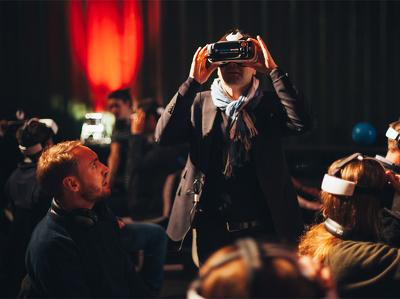 Samsung открыла в России онлайновый VR-кинотеатр