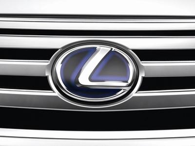 Россиянин обвинил Lexus в серьезном завышении характеристик двигателя