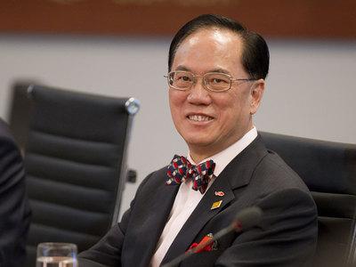 Бывший глава Гонконга попал в тюрьму за коррупцию