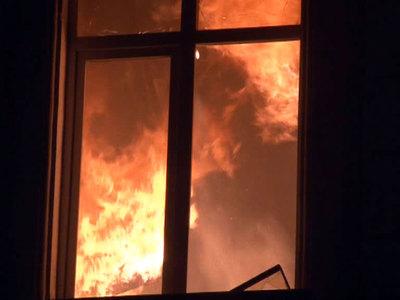 В Красноярском крае на пожаре в доме погибли четверо детей и их отец