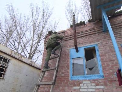 Силовики обстреляли Донбасс почти 50 раз