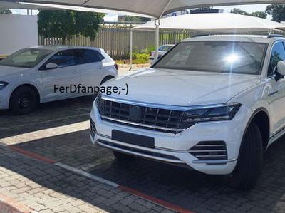 Новый Volkswagen Touareg сфотографировали без камуфляжа