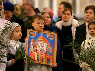 РПЦ хочет ввести меню для православных школьников