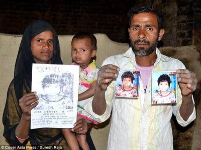 Найдены родители девочки-маугли, которую воспитали обезьяны