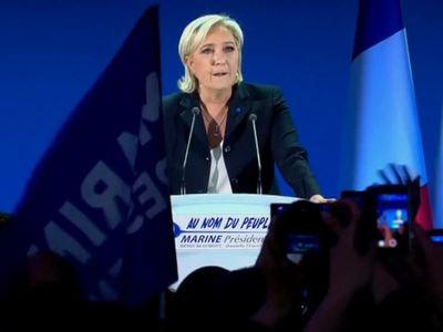 Во Франции обработано 97 процентов бюллетеней: Макрон обогоняет Ле Пен
