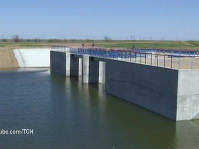 Не дать воду Крыму: Украина потратила 35 миллионов гривен на строительство дамбы